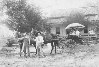 bob-pat-charley-and-jim-tabor-at-john-burl-tabor-home-abt-1906