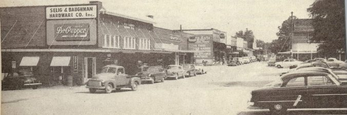 cropped-farmerville-main-street.jpg